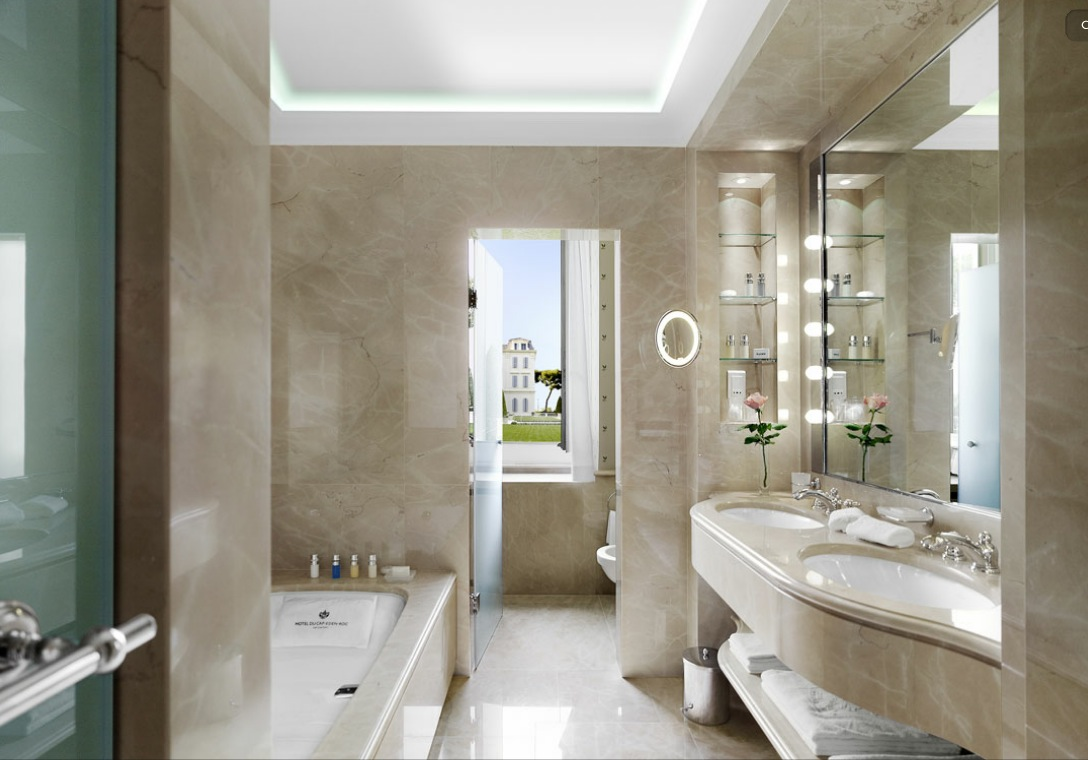 Marble bathrooms 10 of the best uredite dom for Y hotel shared bathroom