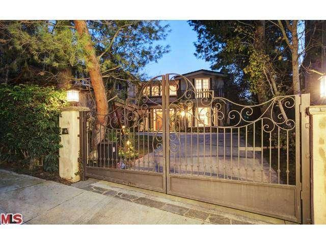 Sarah Michelle Gellar i Freddie Prinze Jr. prodaju Bel Air imanje  Uredite Dom