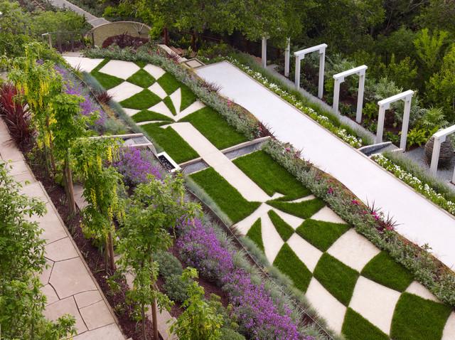Luksuzna strma dvorišta sa terasama  Uredite Dom