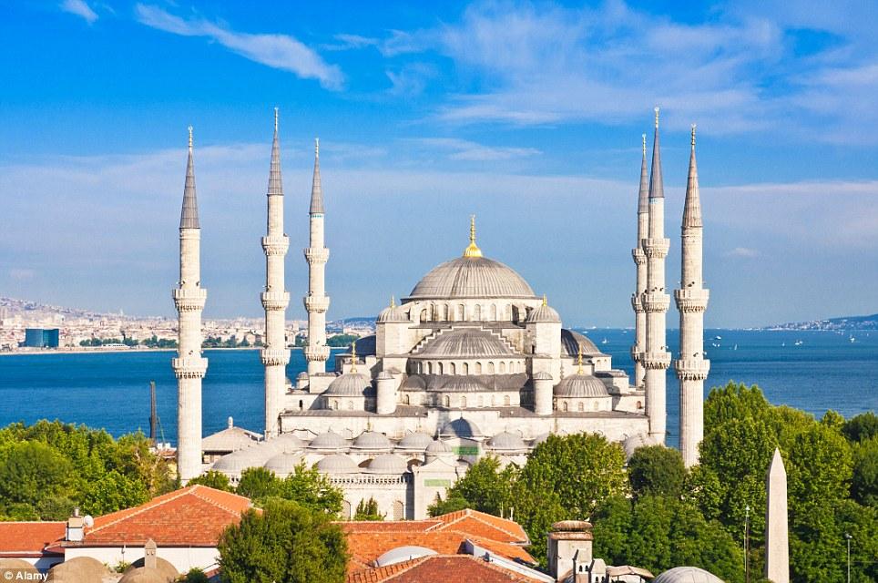 Najbolja svjetska destinacija više nije Pariz već Istanbul  Uredite Dom