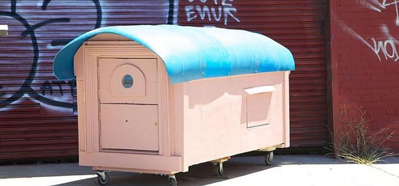 Uz pomoć umjetnika beskućnici dobili krov nad glavom  Uredite Dom