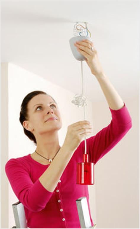 Kako objesiti luster lako i bezbjedno  Uredite Dom